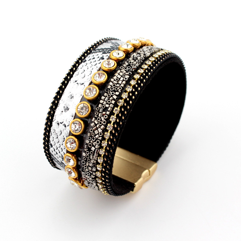 New arrival fashion <strong>accessories</strong> vintage design rhinestone decorated leather bracelet