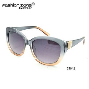 d4222c4ed8d Color Change Frame Sunglasses Wholesale
