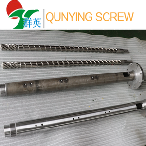 Extruder auger and cylinder sleeve