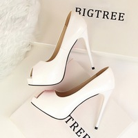 Factory customized low moq patent leather peep toe 12 cm woman shoes heels