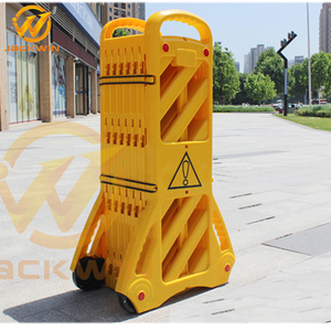 Yellow Plastic Portable Expandable Barrier For Safety Warning