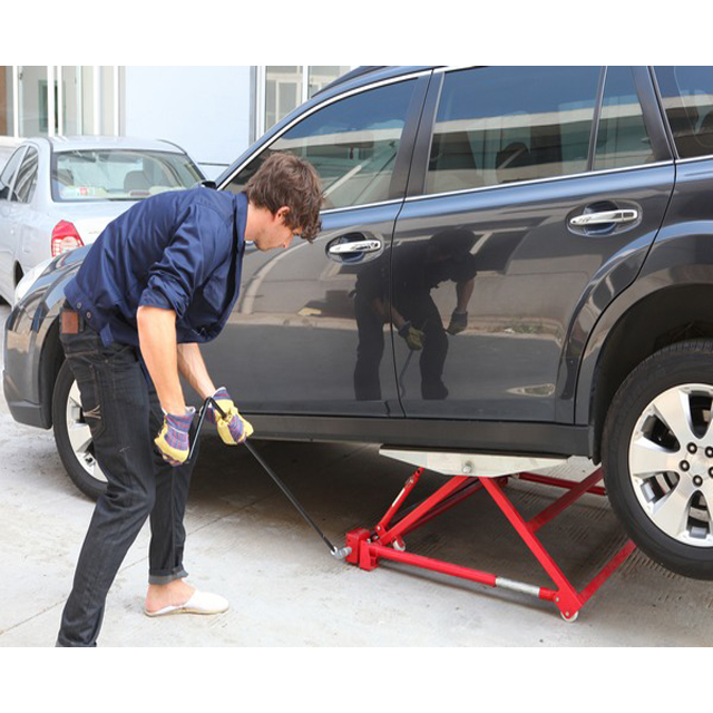 Vehicle Tilting Lift  Auto Lifting Equipment, Easy Work  Car Lift Rotisserie