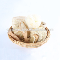 Spa Bath Gift Set In Willow Basket for men women