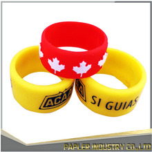 2017 Amazon Hot Sell Custom Embossed Silicone Wedding Ring Cheap Men And Women Sports Rings