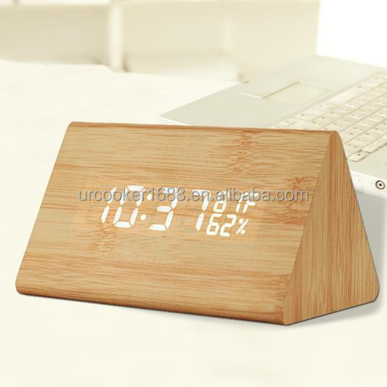 Hot Selling Decor Desk & Tafel Wekkers Houten Materiaal LED Licht Elektronische Digitale Klok Voor Hotel Gift