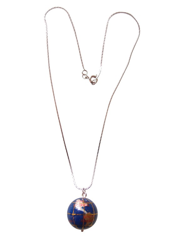 Fashion Blue Shell Golobal Map Necklace