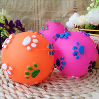 Wholesale retail import grade dot squeaky dog toy ball fresh color dog ball toy