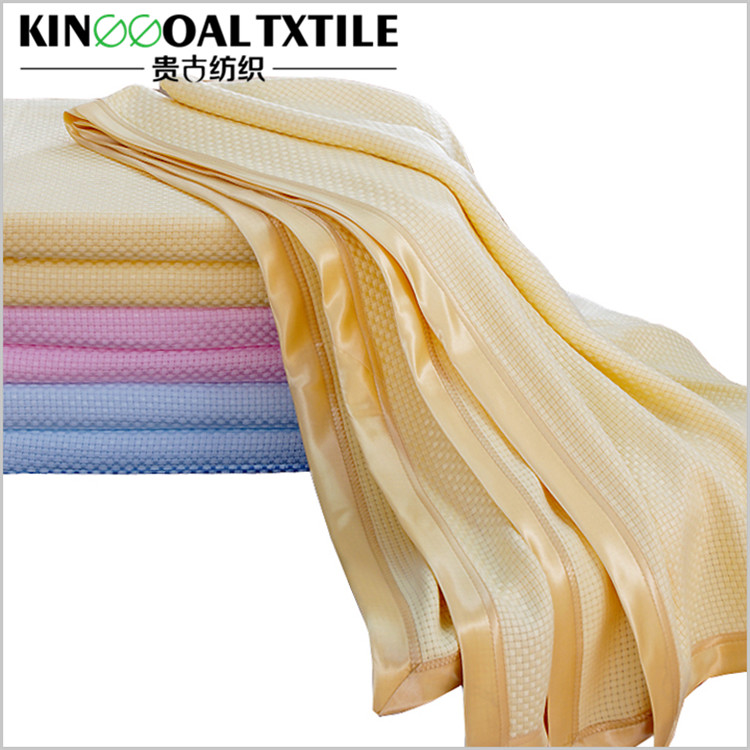 Washable natural bamboo throw blankets with silk binding