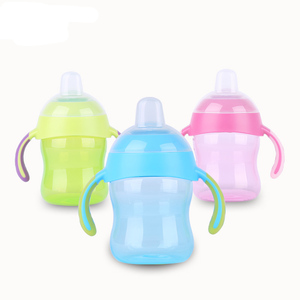 Unique design training handle sippy cup BPA free silicone nipple baby bottle for drinking water