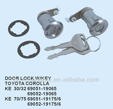 Door lock with key FOR TOYOTA COROLLA KE 30 / 32 70 / 75