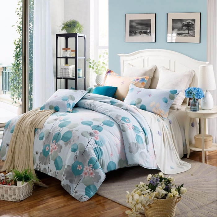 100% Cotton Seersucker Bedding Set Simple Style Blue Bed Cover With Flower Pattern
