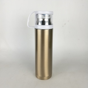 Golden Stocked Vacuum Flasks & Thermoses Drinkware Type Stainless Steel Drinking Water Bottle