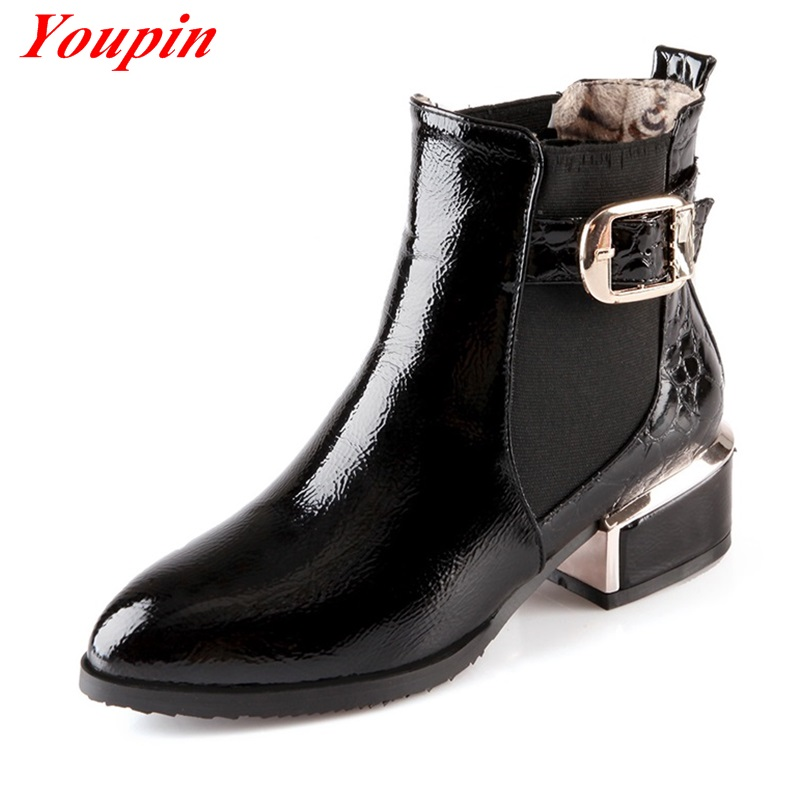 Patent leather shoes are always available, but they're definitely hotter some seasons than they are others. In the s, they've enjoyed a resurgence in popularity with trendy brands such as the San Francisco-based Everlane and the Montreal-based La Canadienne releasing patent leather .