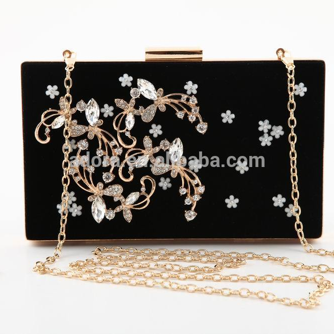 46fc4194d69a Hand Made Luxury Diamond Evening Bags Classic Rhinestone Clutch Bags For  Lady Wedding - Buy Rhinestone Crystal Clutch Bag Product on Alibaba.com