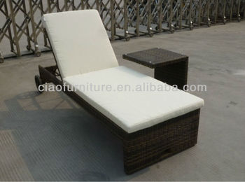 Garden Rattan Bamboo Sun Lounger / Chaise Lounge With Wheel