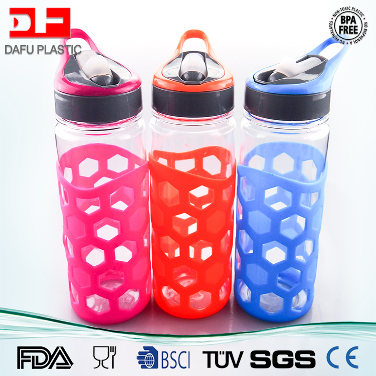 800ml New Product BPA Free Plastic Tritan Water Bottle wearable silicone sleeve sport bottle with straw