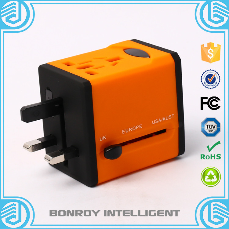 2016 new patent free sample folding plug with socket universal travel adapter and charger
