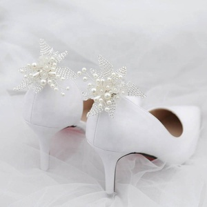 2019New Design Fashion White Beaded Wedding Shoe Clips Crystal Flowers