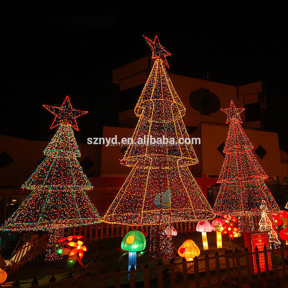 2015 giant christmas tree for outdoor decorations for Professional outdoor christmas decorations