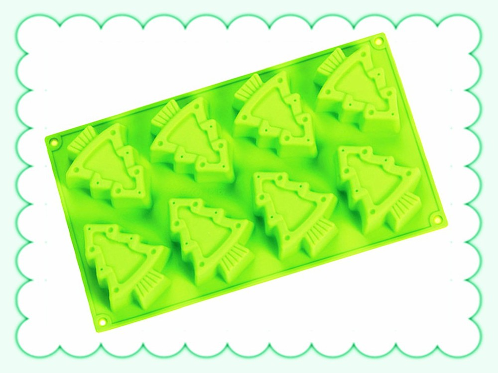 Disposable Christmas Tree Cake Moulds
