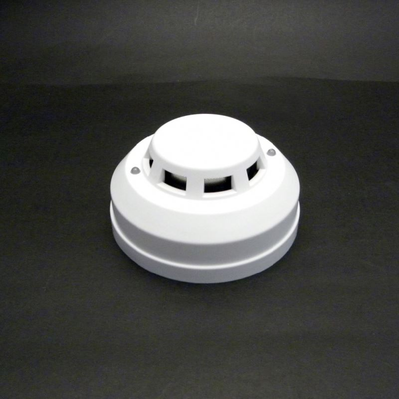 High quality wired cheap smoke alarms with 2 line relay out wide operation voltage