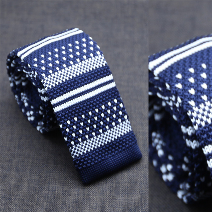 snowy in the time of sun down knitted men neck tie