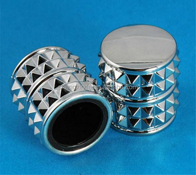 Factory Customized zinc cap perfume in Fashion Style and High Quality