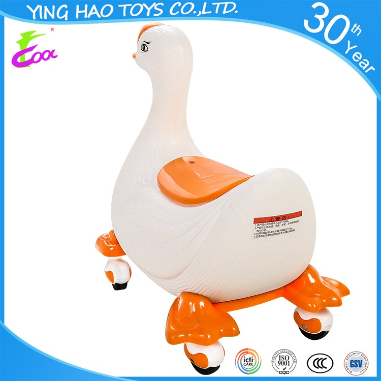 New arrival 360 degree wheel high quality plastic outdoor cute goose push pedal ride on