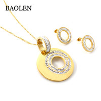 Pretty Solid Gold Jewelry Stainless Steel Round Pendant Shining Crystal Necklace Circle Jewellery Set Layout Design