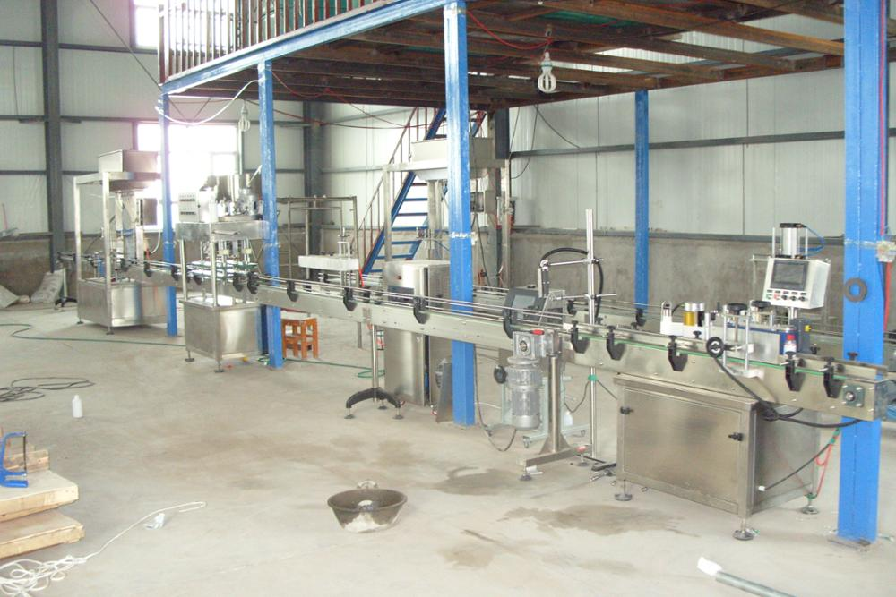 China semi automatic bottle pesticide farm chemical liquid bleach filling machine