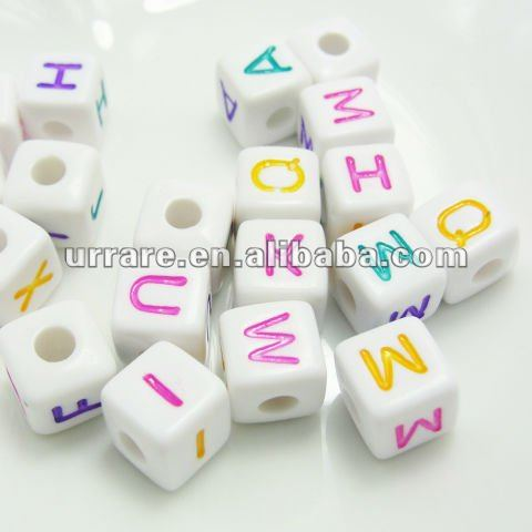 10mm White Color Square Shape Acrylic Letter Beads