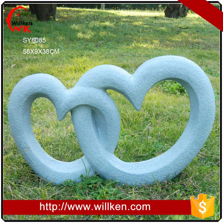 Heart to heart shape design of decoration garden