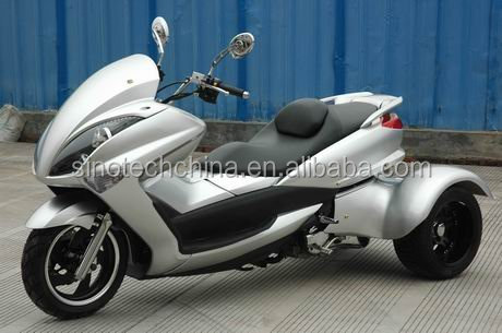 Chinese factory supplier Majesty 200CC EEC three wheel gasoline scooter scooter