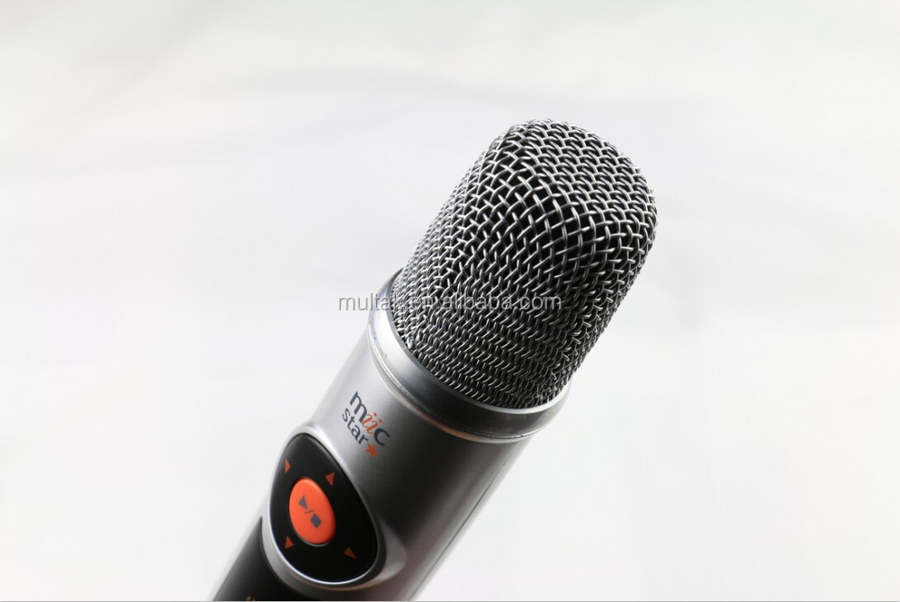 Hign definition output with wireless microphone home karaoke player system