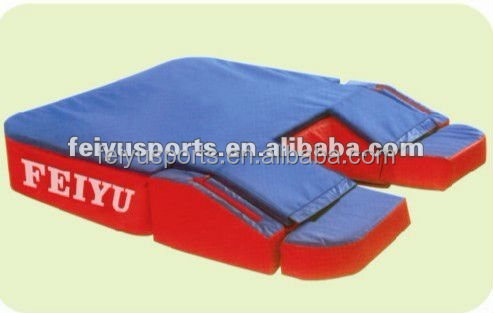 Movable Pole Vault Mat