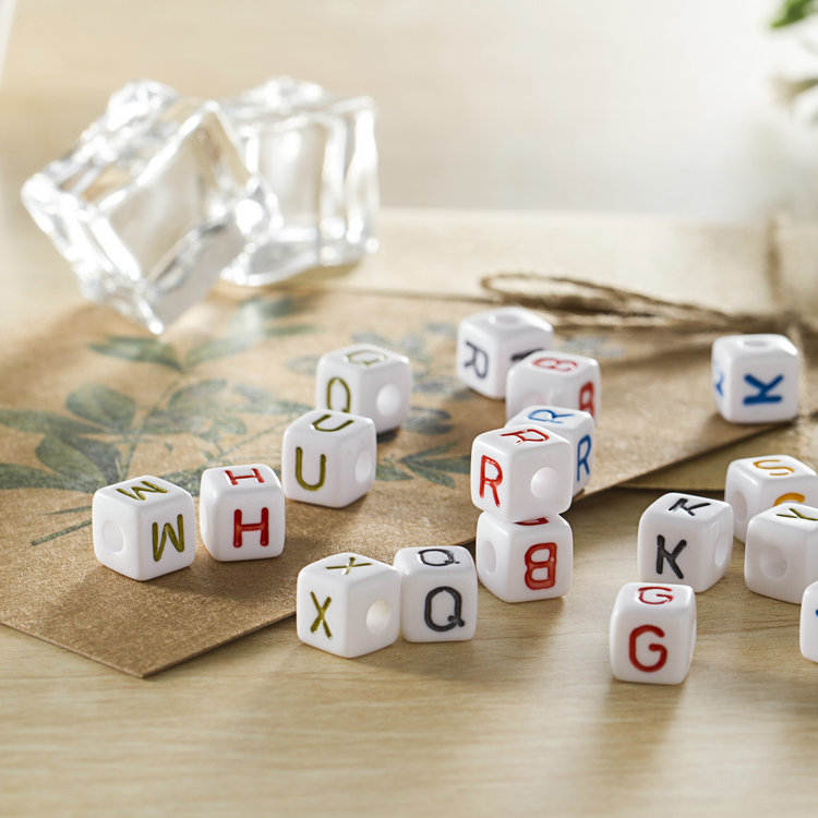 New Design Letter Beads Wholesale White Base Colorful Flat Round  Acrylic Letter Beads