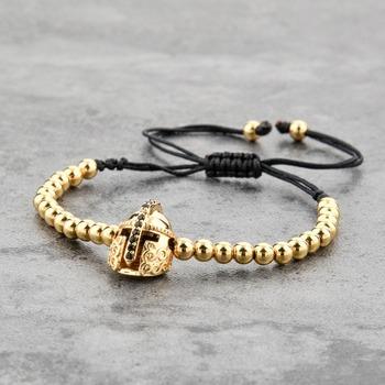 ea7157f12869 Nuevo estilo de los hombres pulsera de cuentas de oro casco Macrame pulsera  para los hombres