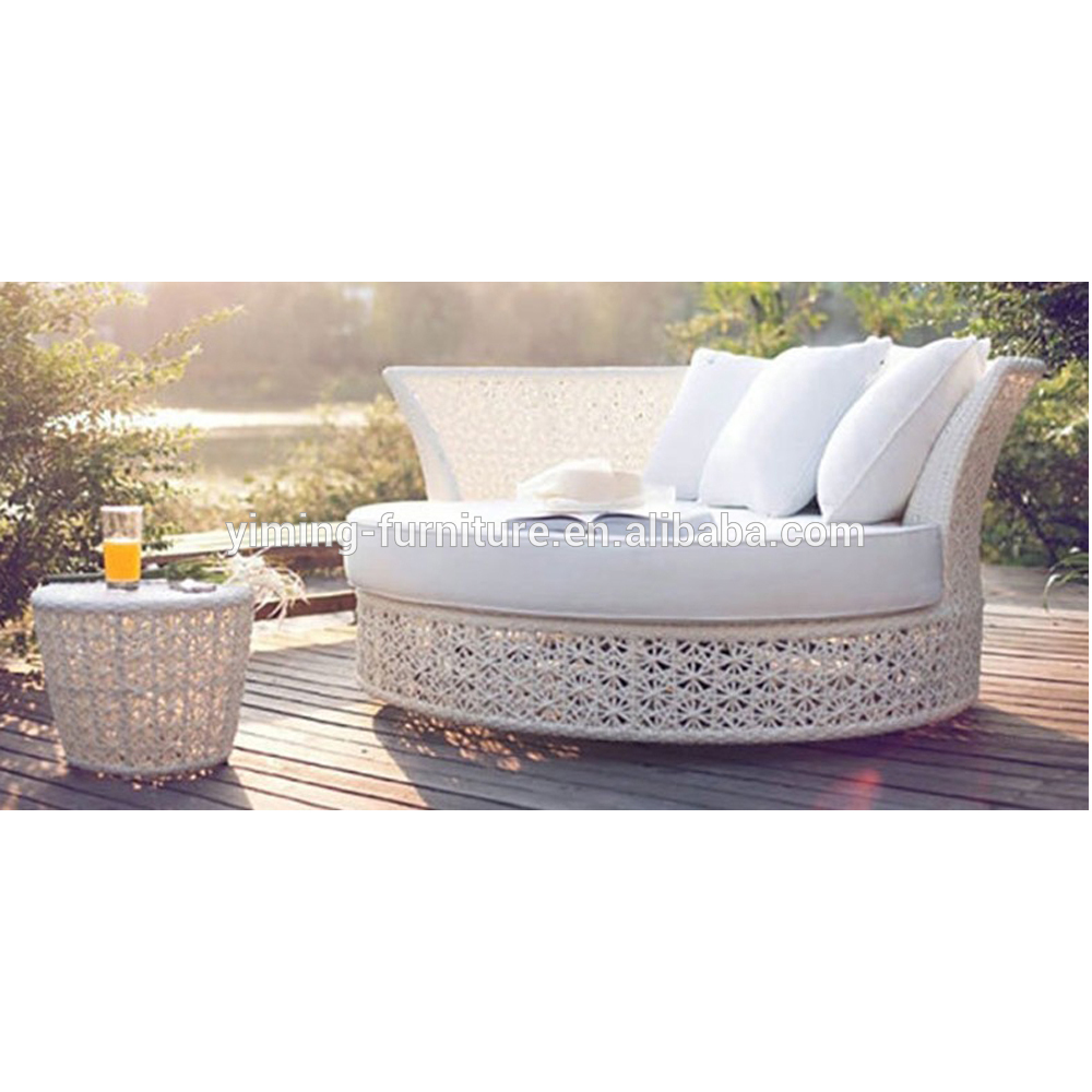 Fashionable new design modern sunbed all weather resin wicker outdoor garden daybed