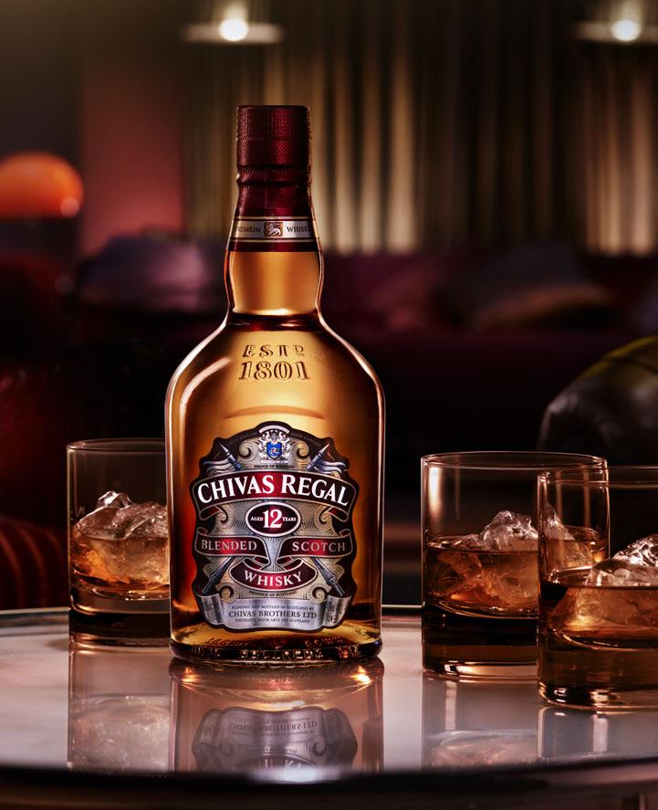 Kết quả hình ảnh cho Chivas Regal 12yo Gift box