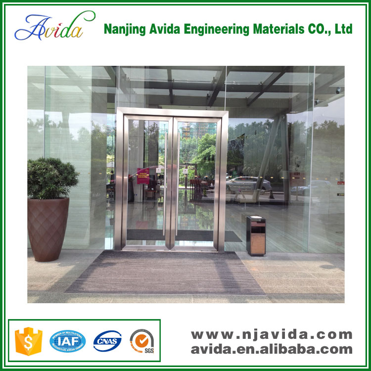 Aluminum recessed commercial entrance floor mats for buildings