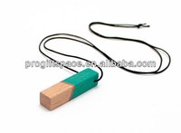 high quality new custom hard wood painted beech necklace jewelery pendant for kids made in China