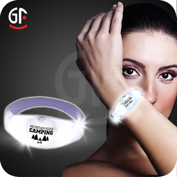 2017 Whosale Free Sample Promotion Logo Customized Concert Led Bracelet