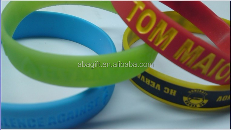 Different style Fitness Sports Silicone Bracelet with sayings