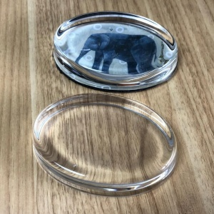 Fashion oval glass paperweight