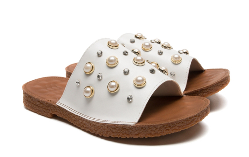 Ladies Fashion White PU Slide Sandal Slipper With Pearl Decoration