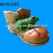 2012 new fashion hot selling frog themed gifts ceramic boots