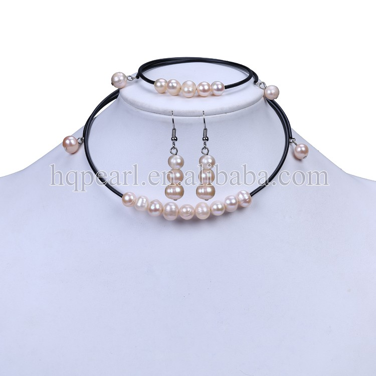 Pendant necklace stud earring jewelry set for women