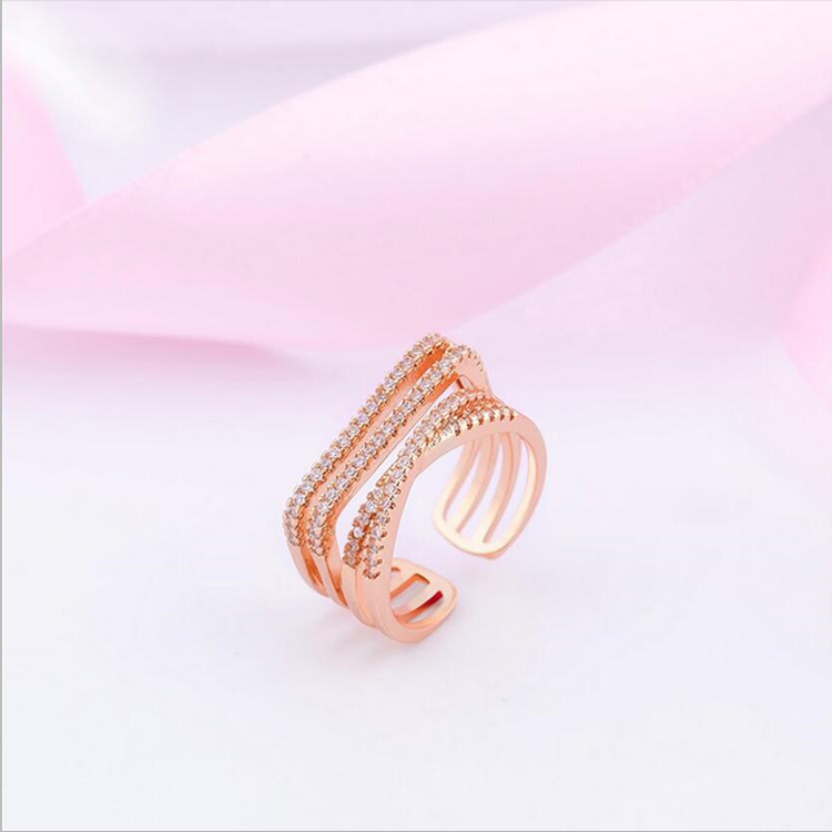 The latest design of the irregular full crystal opening female fashion rings