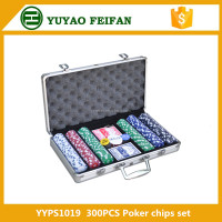 300 Pcs Poker Chip Set In Silver Aluminium Case With Windows