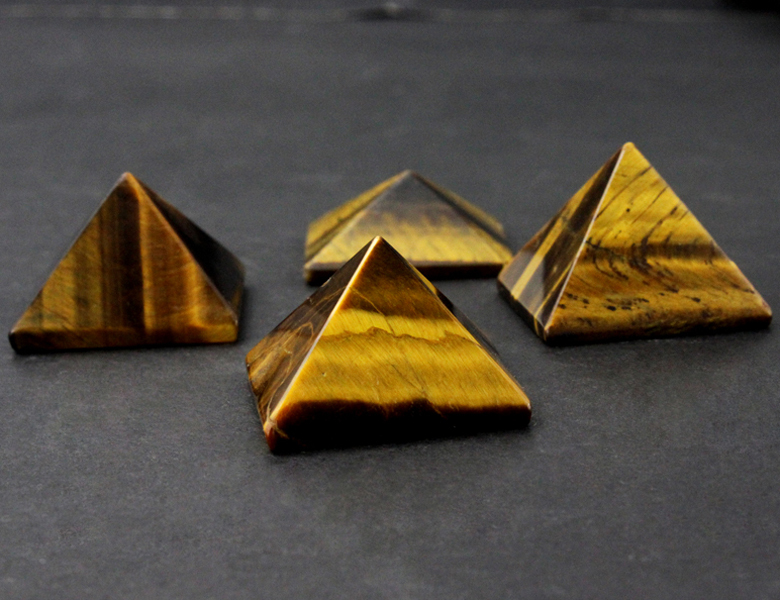 Wholesale mixed natural gemstone crystal pyramid,healing crystal pyramid for decor Pyramid